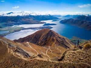 photo d'un lac de montagne pris par le drone dji mavic air