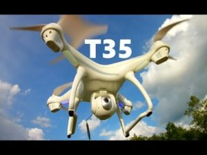 drone Potensic T35 en plein vol